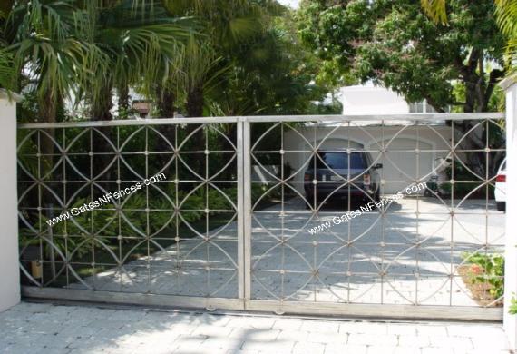 Metal Gate Metal Driveway Gate Driveway Entrance Ideas