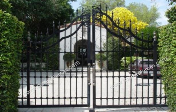 The Iron Gates Iron Gates Aluminum Driveway Gate Design