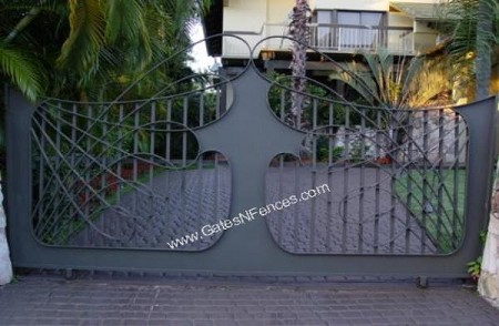 Driveway Gate Spear of The Ocean